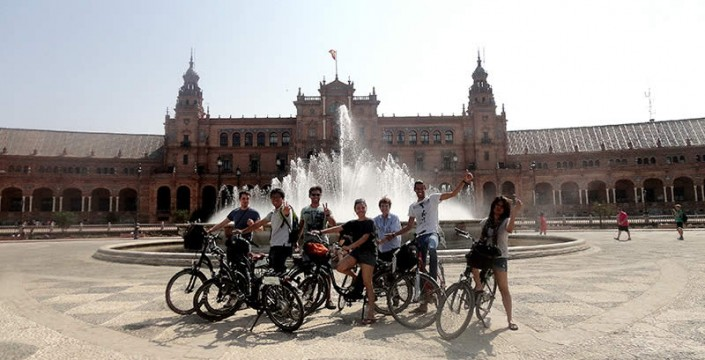 group tour Plaza españa