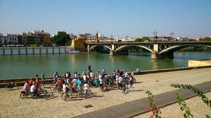 Private group bike tour. Ruta privada en bicicleta electrica Sevilla